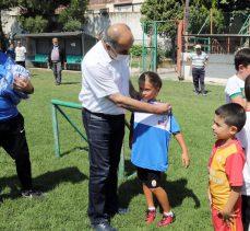 Bursa'da Mudanya Yaz Spor Okulu'nda formalar Başkan Türkyılmaz'dan