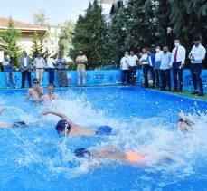 Bursa'da okul bahçeleri yüzme havuzuna dönüştü